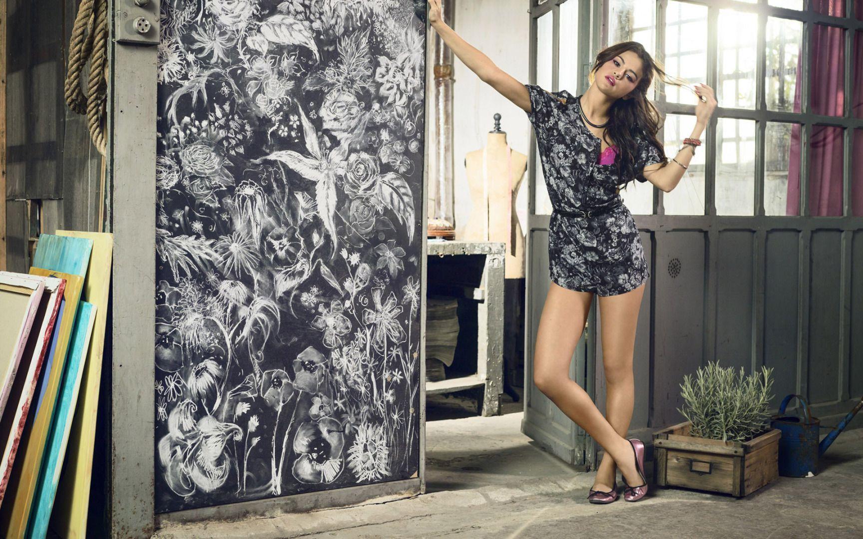 Download Selena Gomez Hot Hd Wallpapers Hd Backgrounds