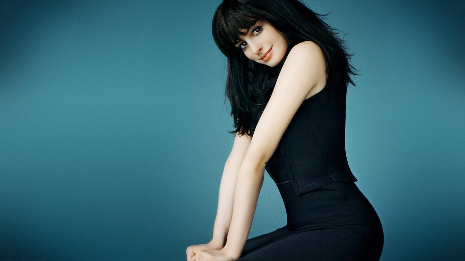 Full Hd Wallpapers Girls High Resolution Wallpaper - Anne Hathaway Long Black Hair , HD Wallpaper & Backgrounds