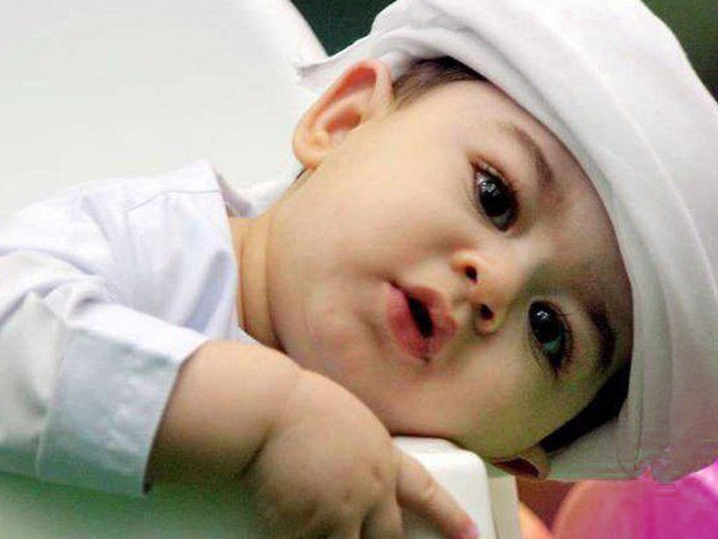 Cute baby girl wallpapers free download hd beautiful beautiful.