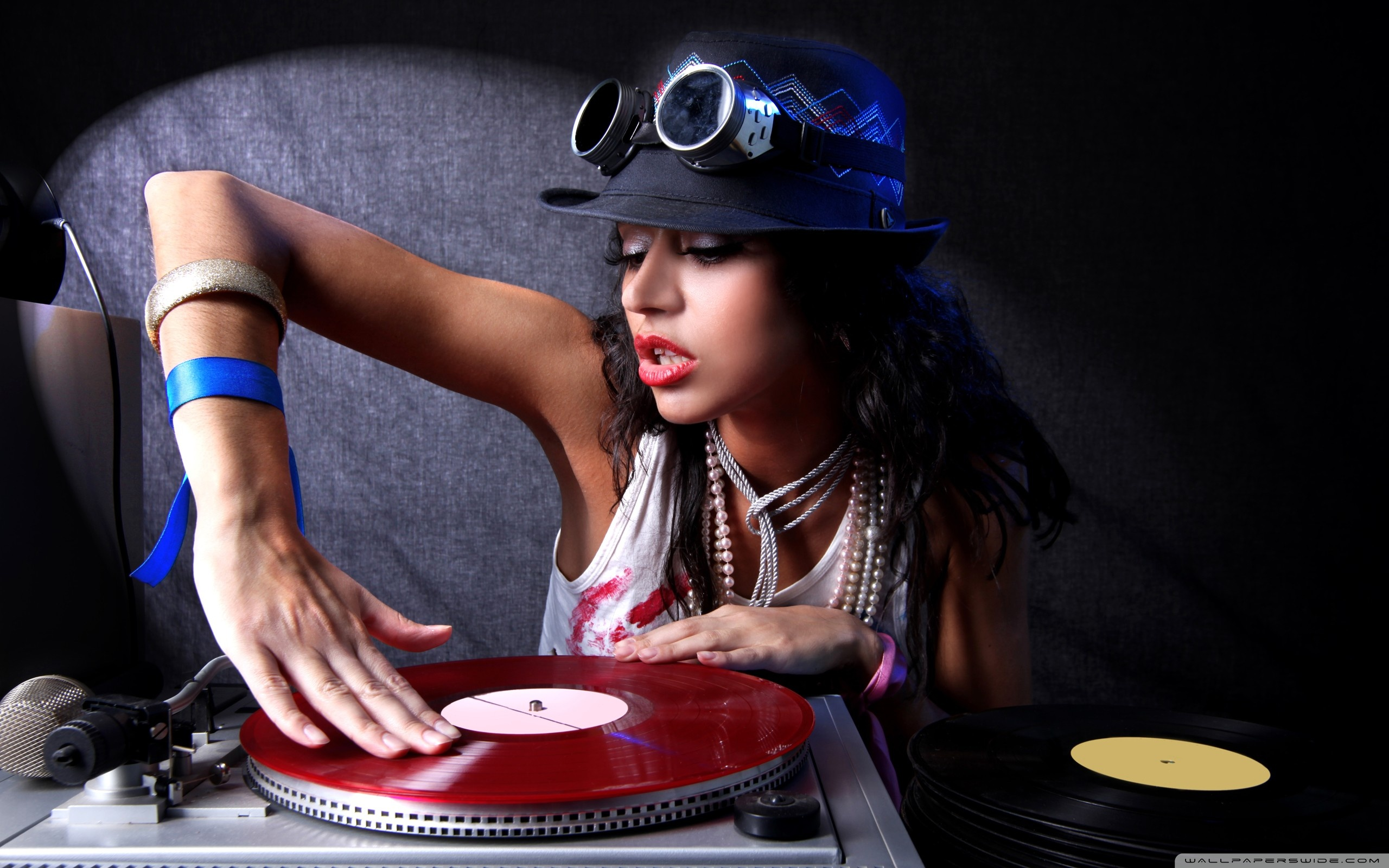 Related Wallpapers - Dj Girl Wallpaper Hd , HD Wallpaper & Backgrounds