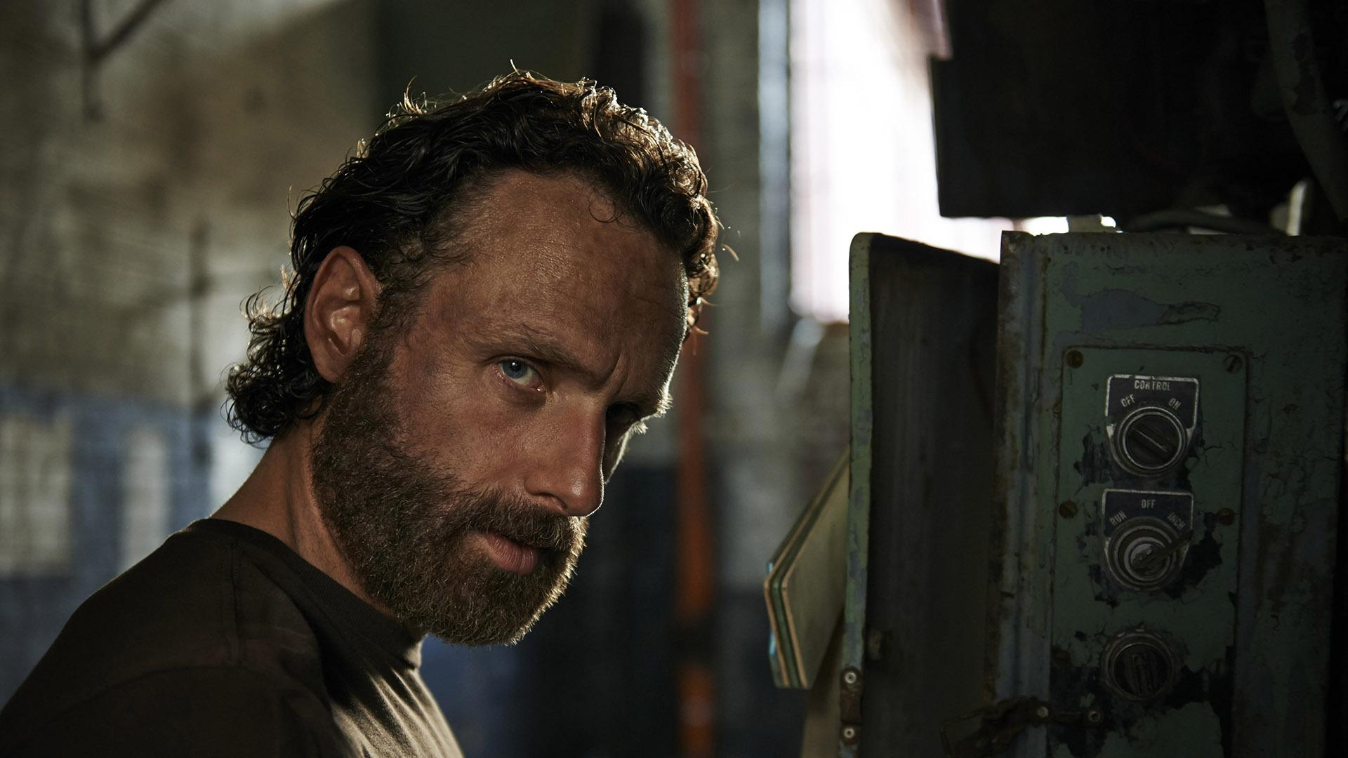 Andrew Lincoln Playing Rick Grimes In The Walking Dead Rick