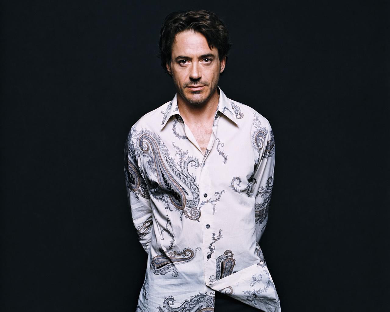 Robert Downey Jr Wallpaper - Robert Downey Jr Hd , HD Wallpaper & Backgrounds