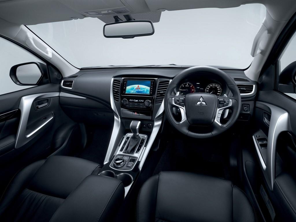2019 Mitsubishi Pajero Exterior Hd Photo - Montero Sport 2019 Interior , HD Wallpaper & Backgrounds