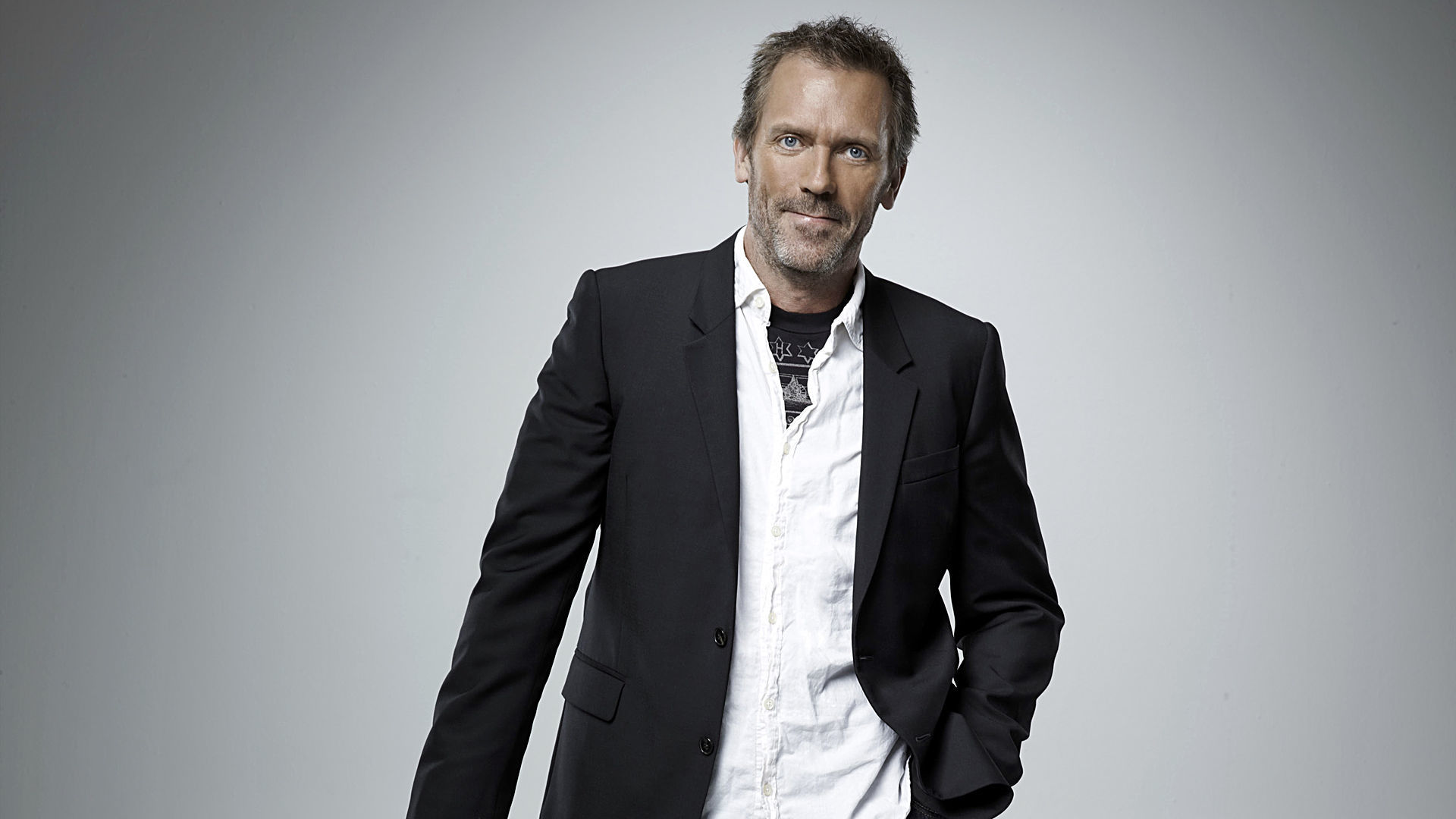 Dr House Wallpapers Dr House Full Body 1084308 Hd