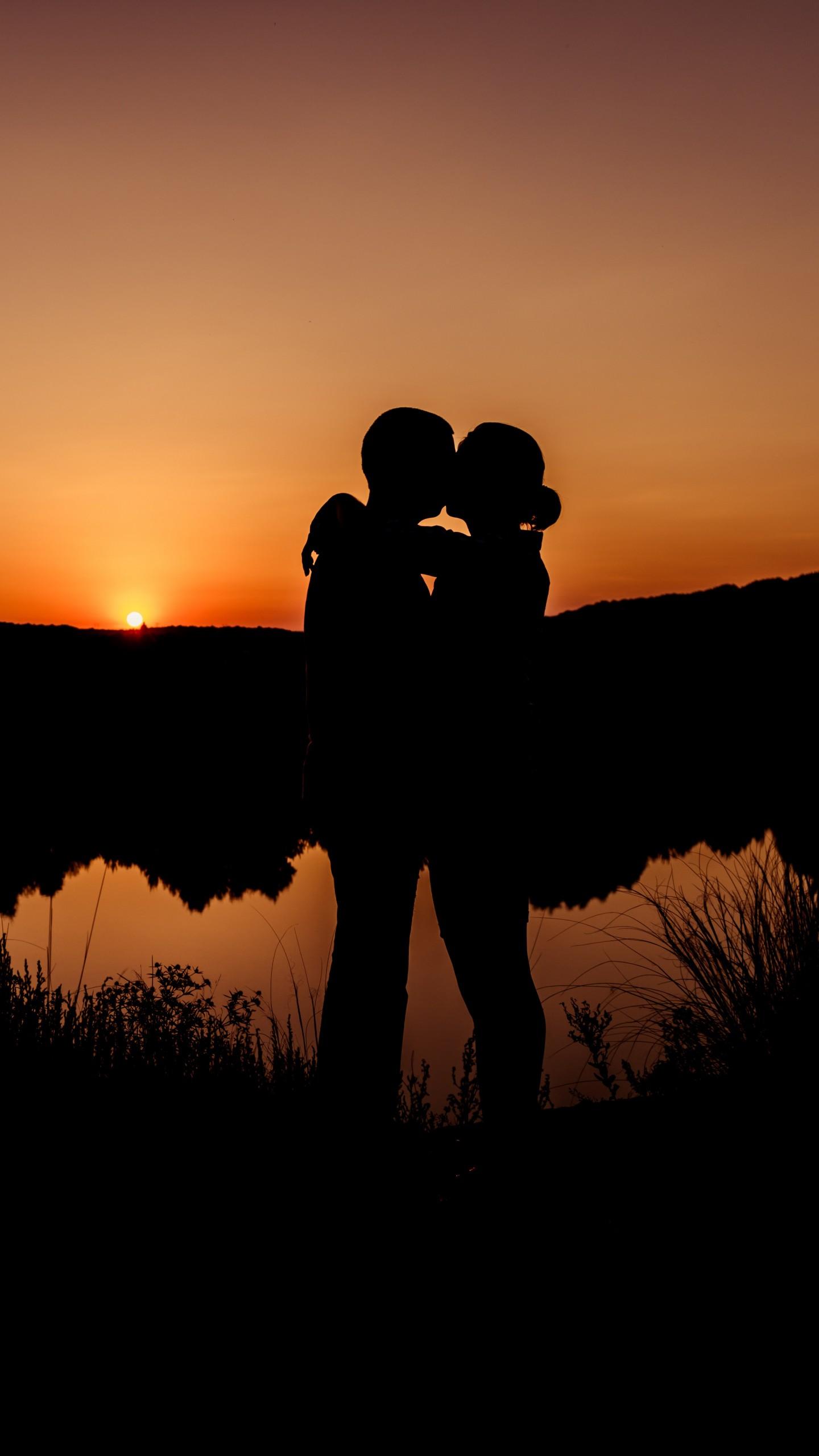 Love Romantic Kiss Wallpaper Romantic Couple Sunset