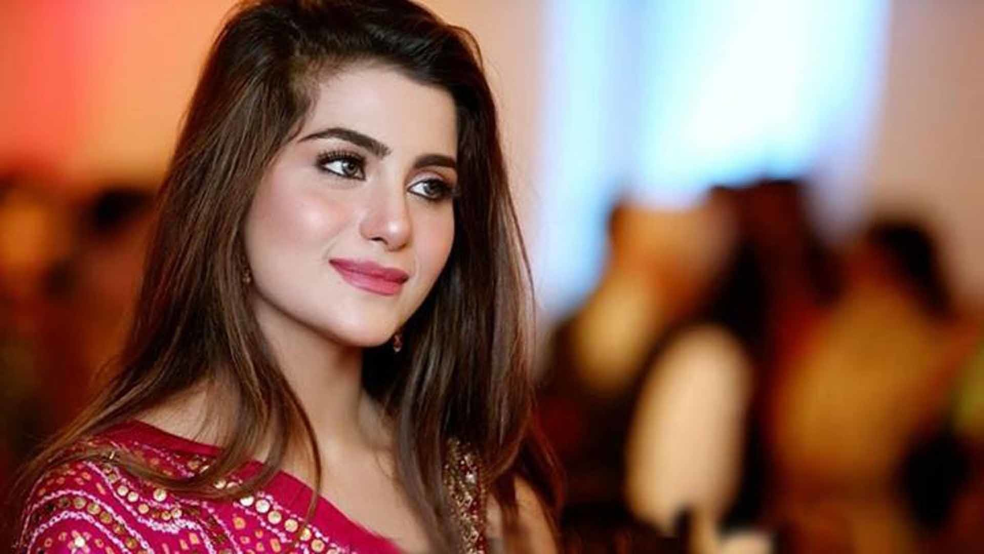 Beautiful Girl Hd Wallpaper Pakistani Girls 110936 Hd