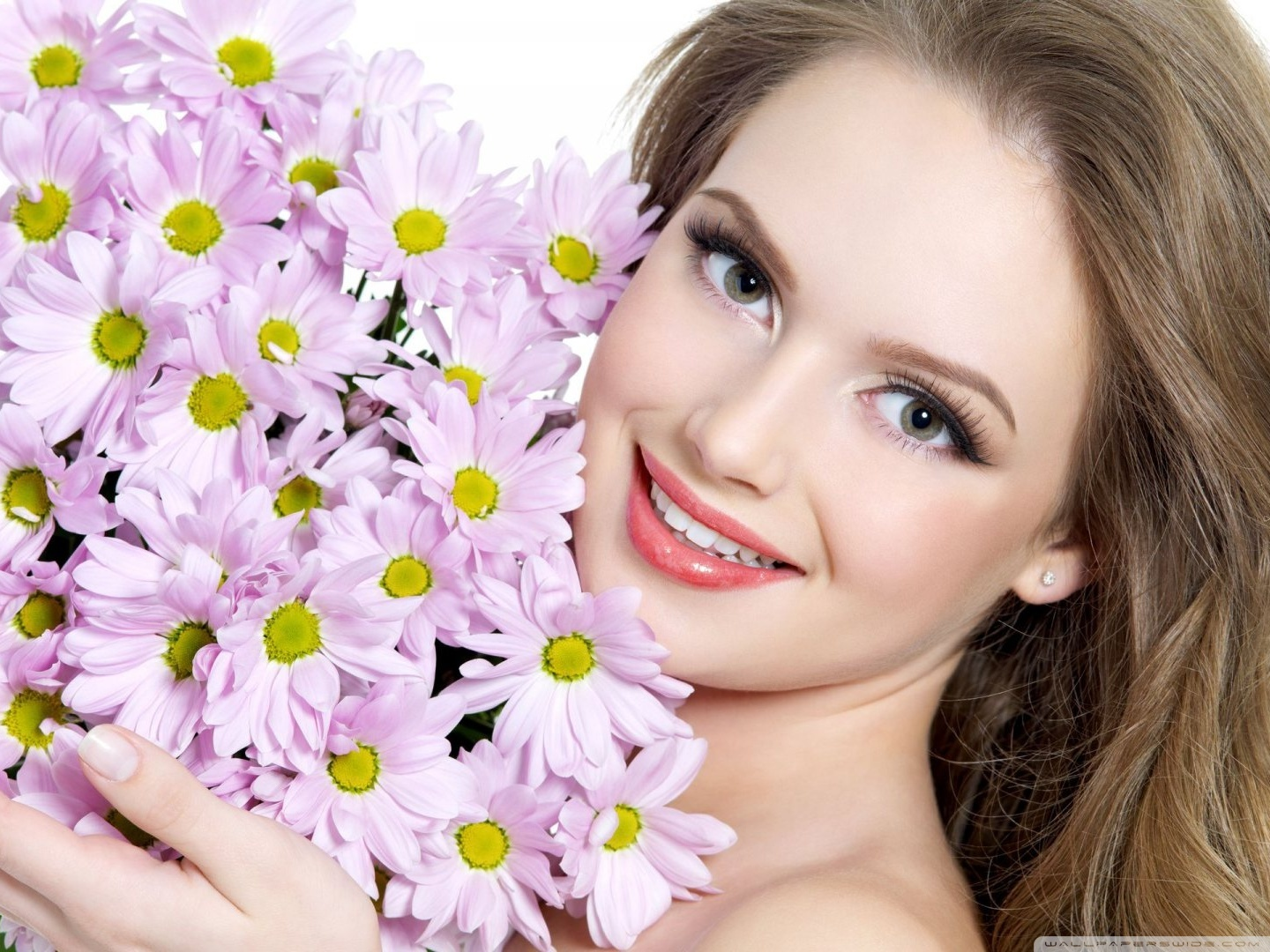 Standard - Most Beautiful Girl Smile , HD Wallpaper & Backgrounds