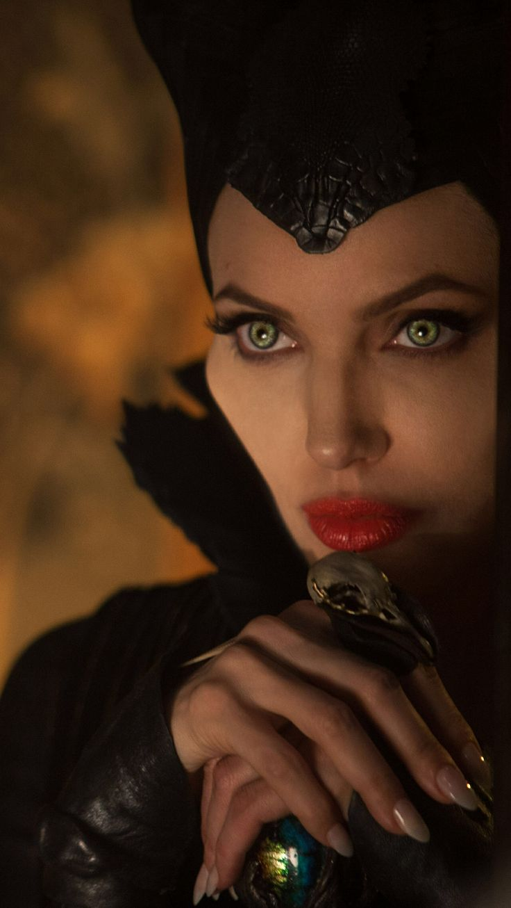 Mac Maleficent Wallpaper May 2014 - Angelina Jolie Black And White Maleficent , HD Wallpaper & Backgrounds