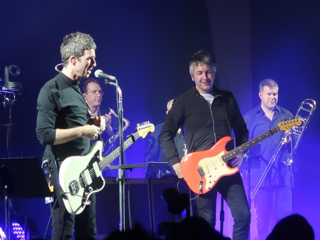 Noel Gallagher's High Flying Birds - Rock Concert , HD Wallpaper & Backgrounds