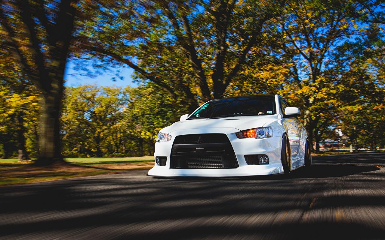 Wallpapers Mitsubishi Lancer Evo X White Motion Auto