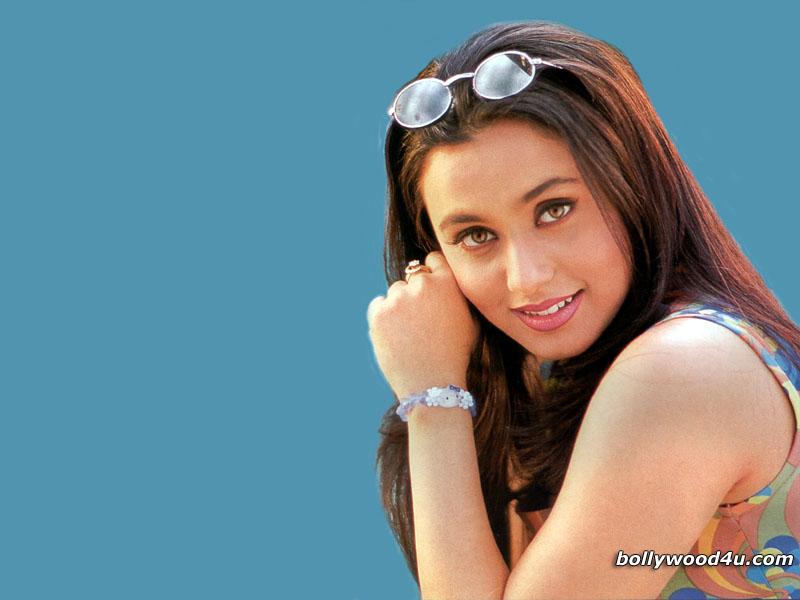 Actress Wallpapers Download Free - Rani Mukherjee , HD Wallpaper & Backgrounds