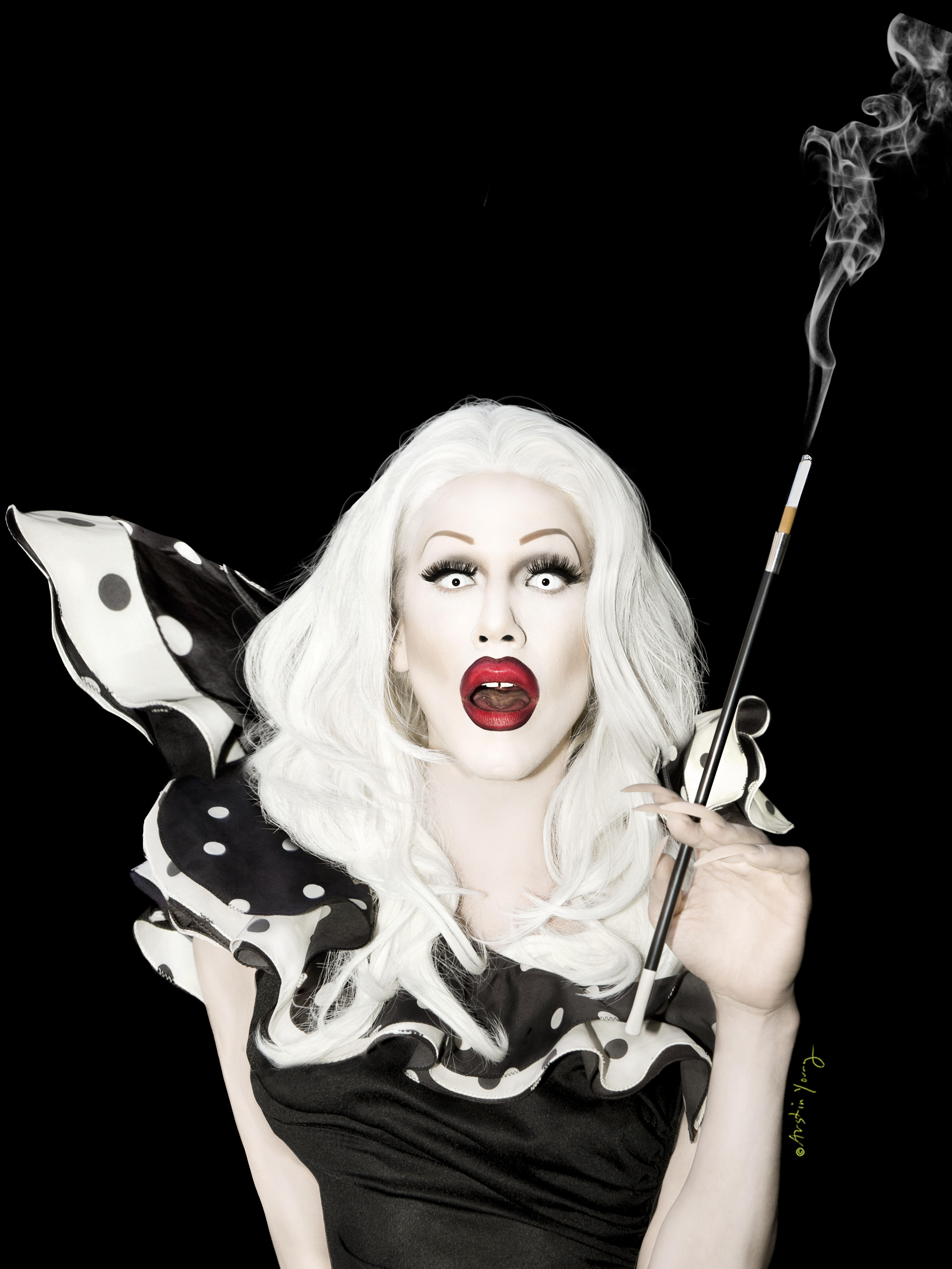 Totally And Completely White Apart From The Pudding - Sharon Needles , HD Wallpaper & Backgrounds