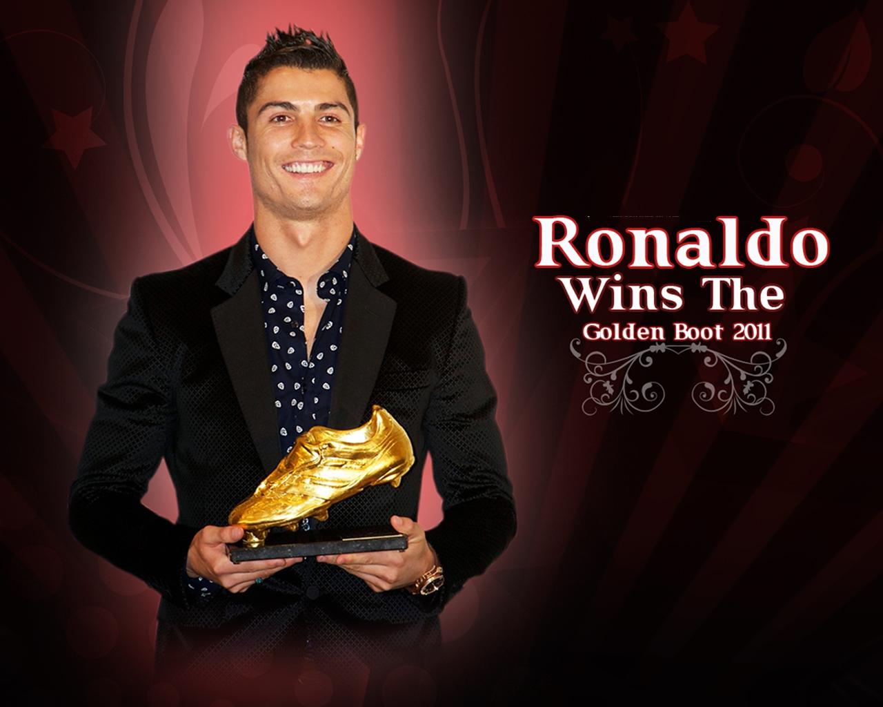 Cristiano Ronaldo Golden Boot 2011 Wallpaper - Cristiano Ronaldo Golden Boot 2011 , HD Wallpaper & Backgrounds