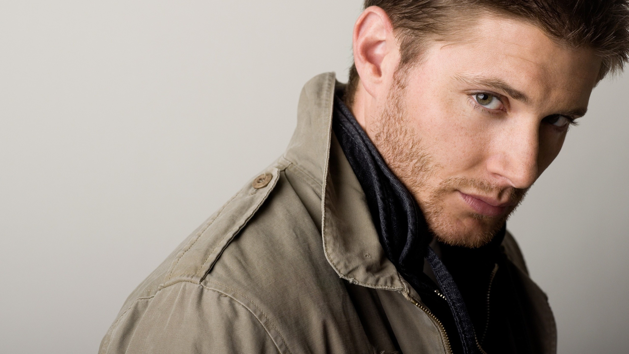 Dean Winchester In Super Natural - Jensen Ackles , HD Wallpaper & Backgrounds