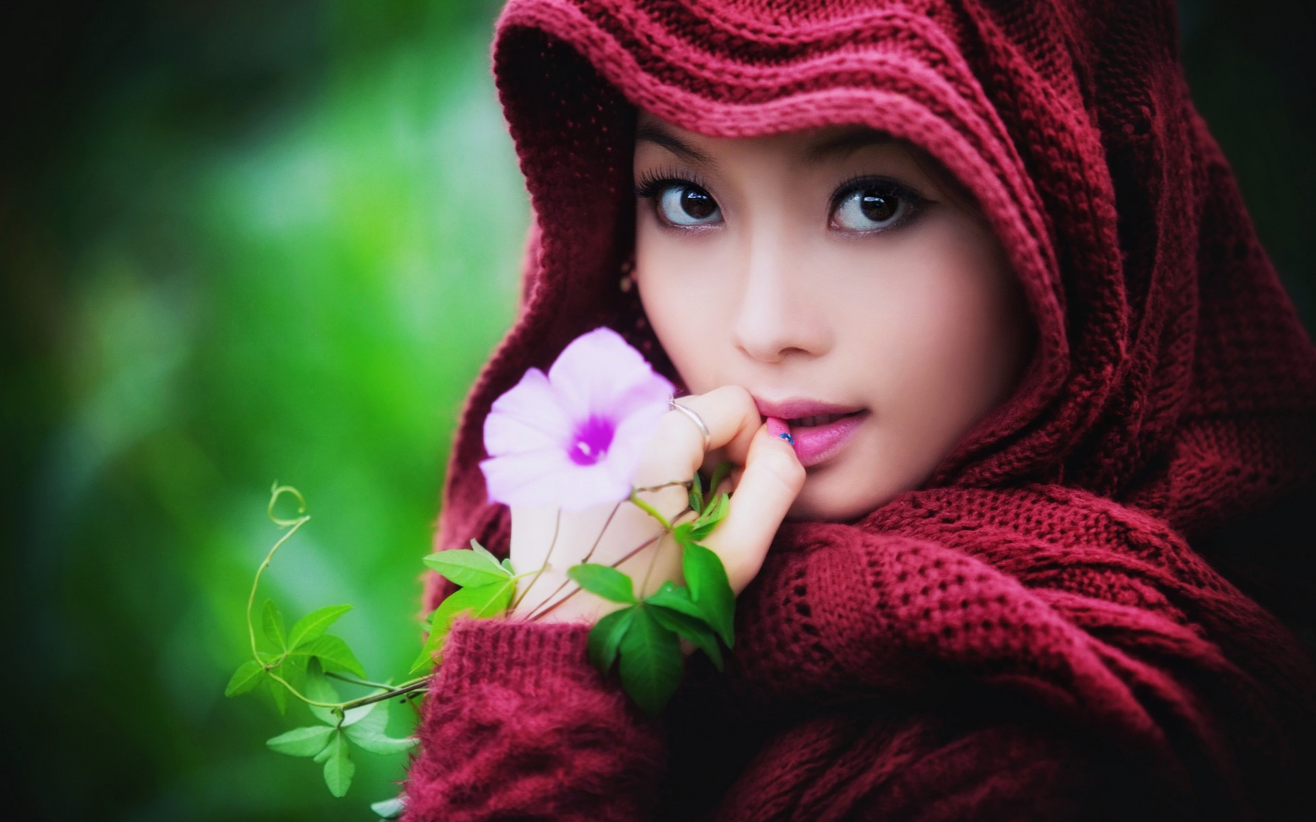 People / Wildflower Asian Girl Photo Hd Wallpaper - Beautiful Asian Girl Hd , HD Wallpaper & Backgrounds