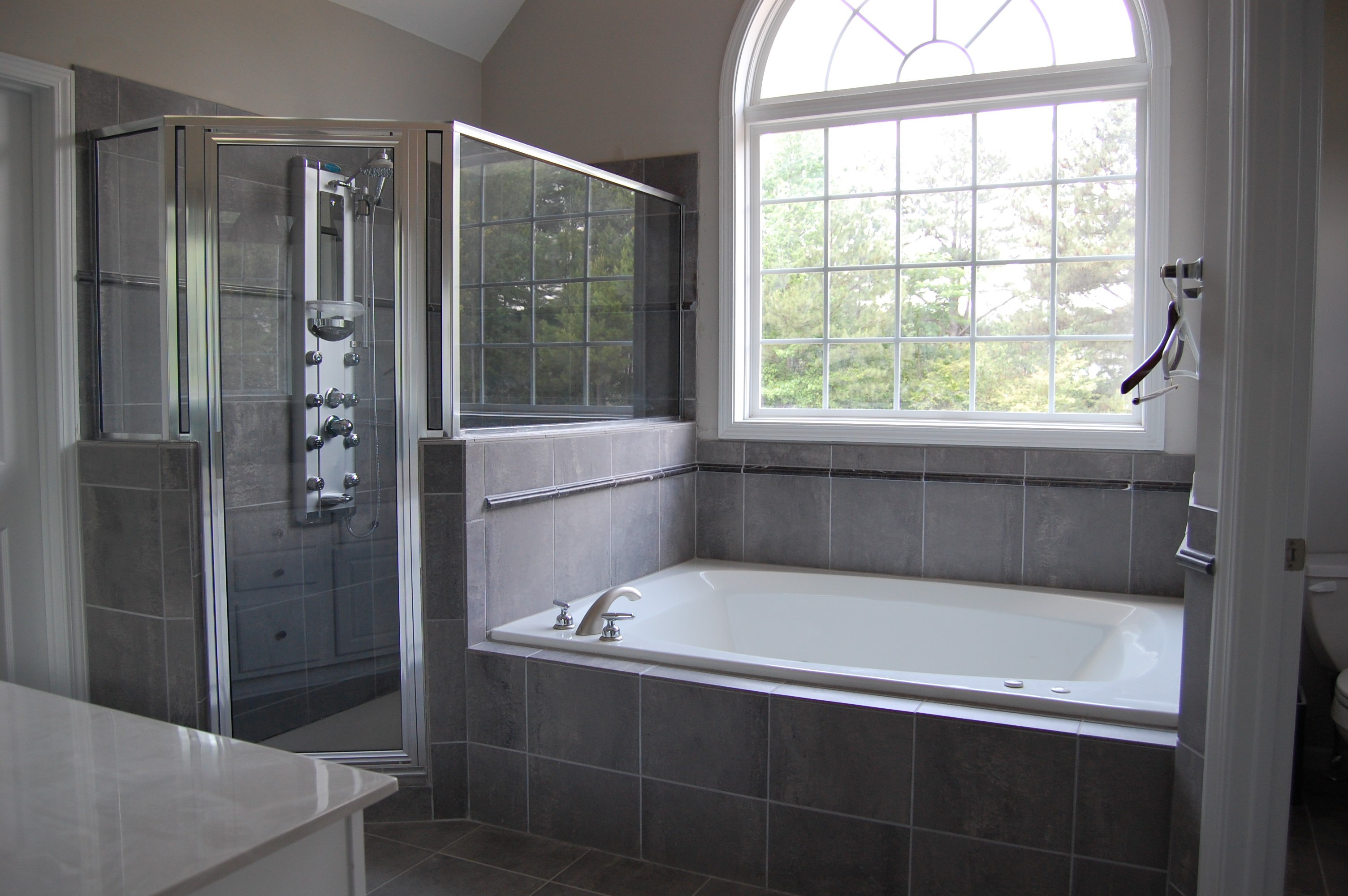 Lovely Home Depot Bathroom Remodel Decoration Large Bathtub Shower Combo 1287449 Hd Wallpaper Backgrounds Download