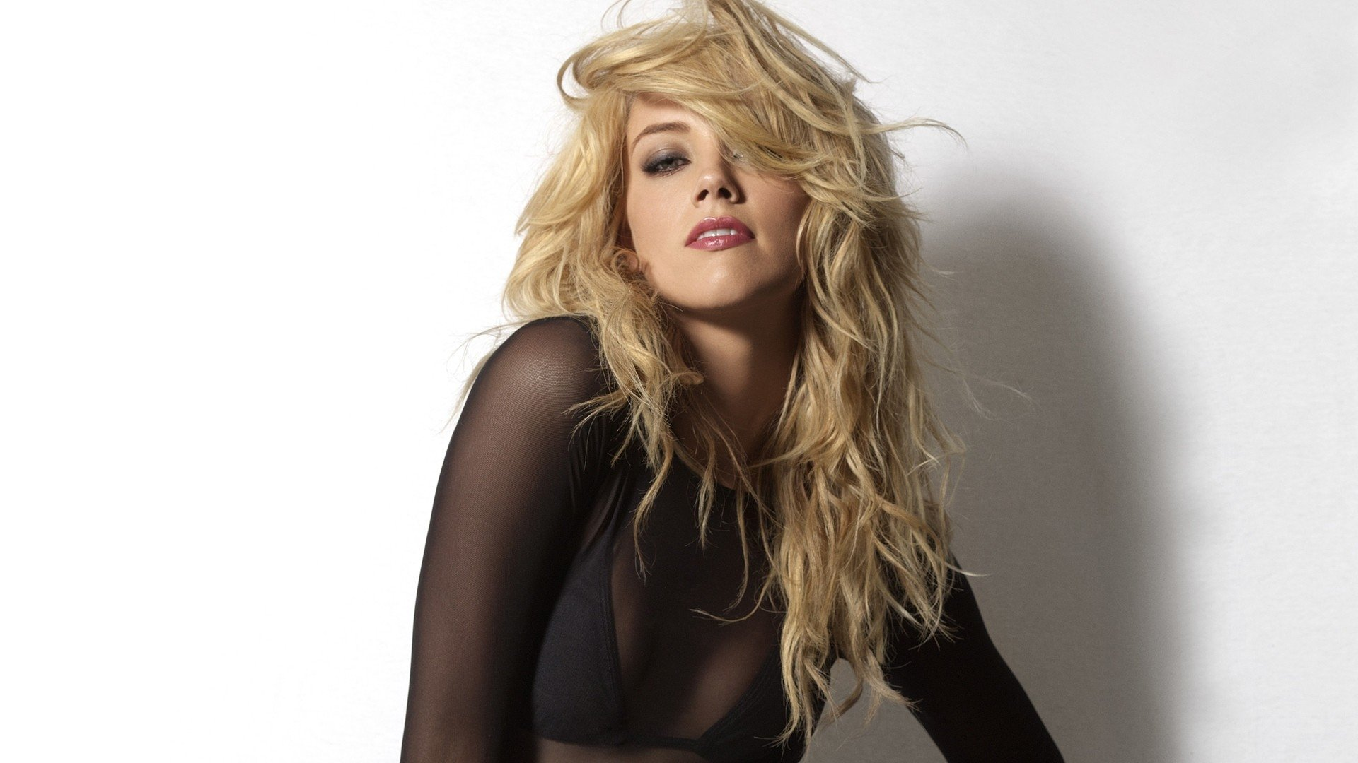 Amber Heard Wallpaper Mobile , HD Wallpaper & Backgrounds