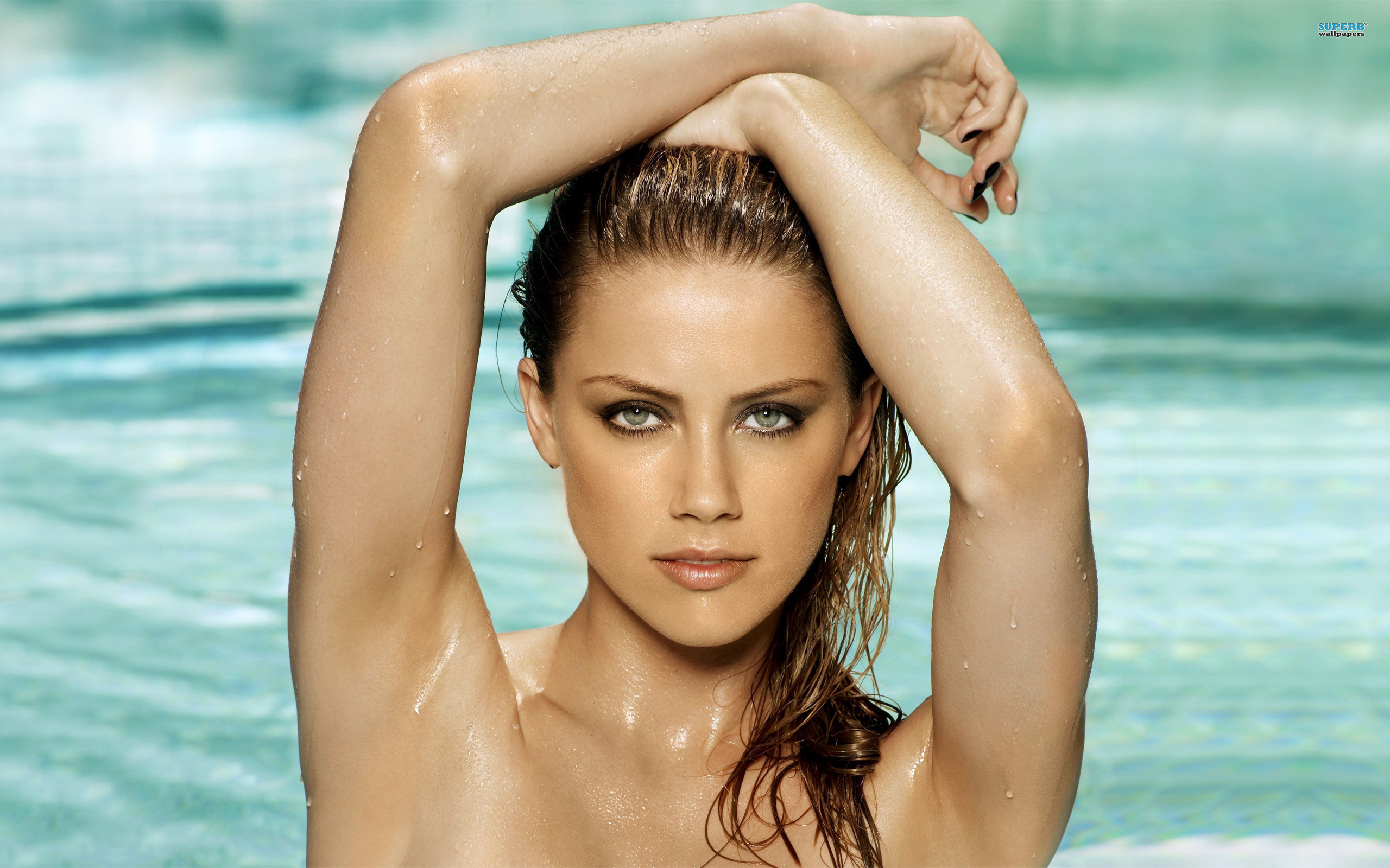 Picture Amber Heard - Amber Heard Swimming Pool , HD Wallpaper & Backgrounds