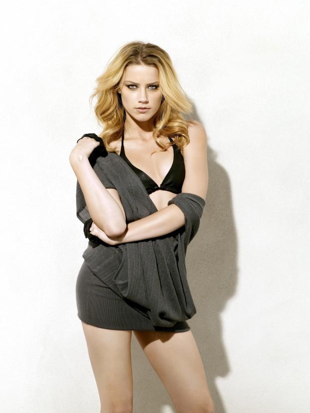 Amber Heard Wallpapers 32 Hdmobileimages Com Hd Mobile Amber Heard 1332992 Hd Wallpaper Backgrounds Download