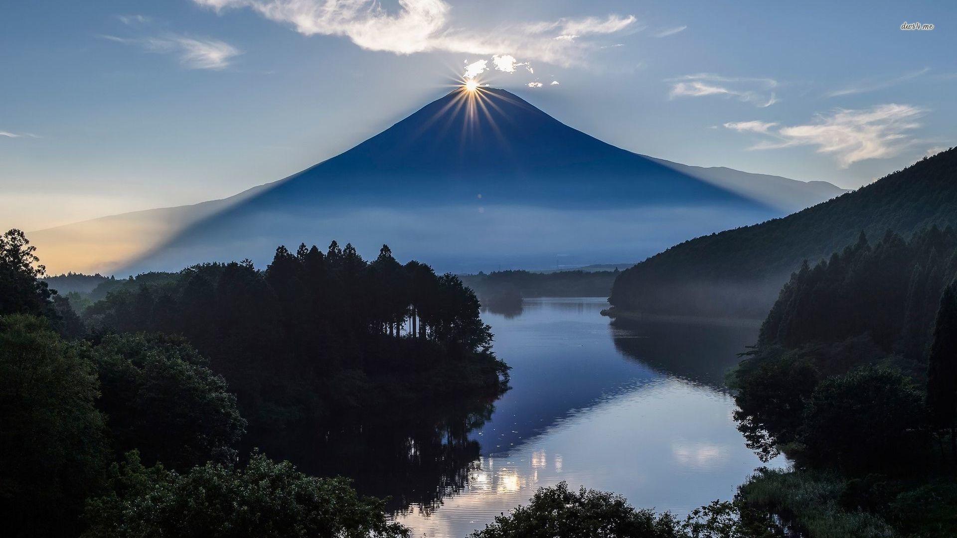 Sun Resting On Top Of Mount Fuji Wallpaper - Mount Fuji , HD Wallpaper & Backgrounds