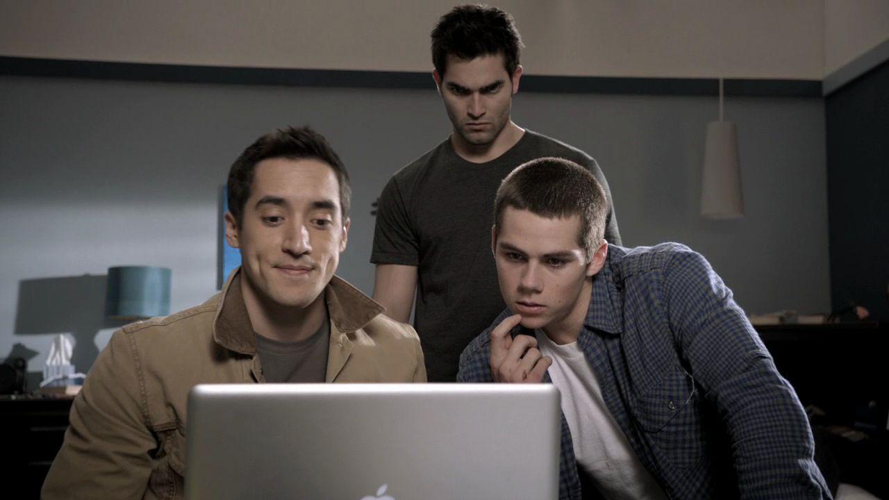 Stiles Stilinski And Derek Hale From Teen Wolf - Output Device , HD Wallpaper & Backgrounds