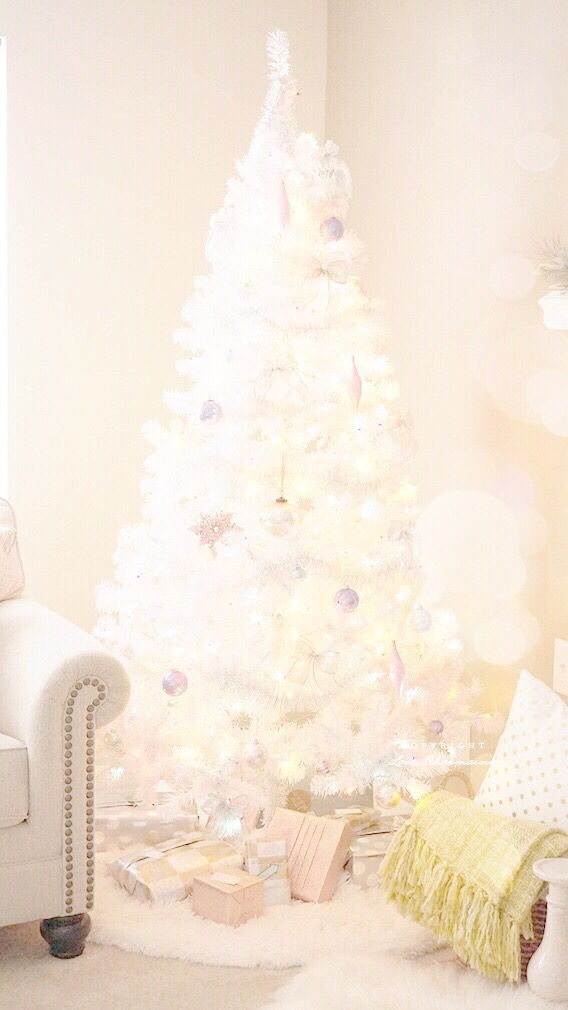 White Christmas Tree Iphone Wallpaper - Christmas Tree , HD Wallpaper & Backgrounds