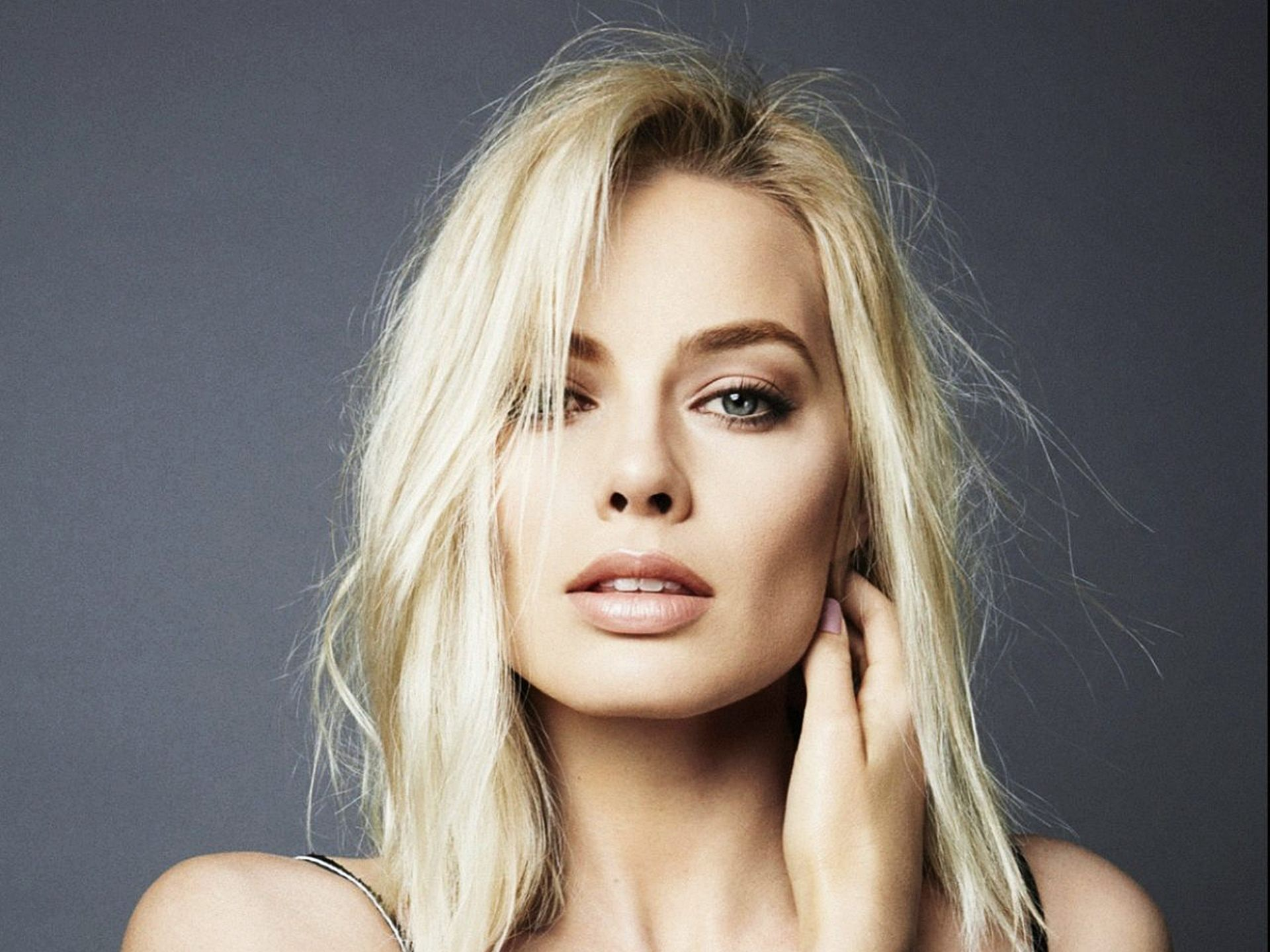 Margot Robbie 1403517 Hd Wallpaper Backgrounds Download