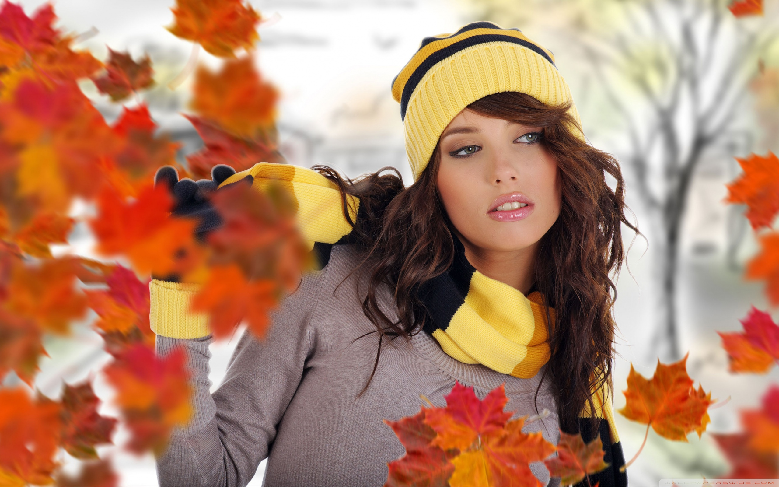 Related Wallpapers - Autumn Girl , HD Wallpaper & Backgrounds