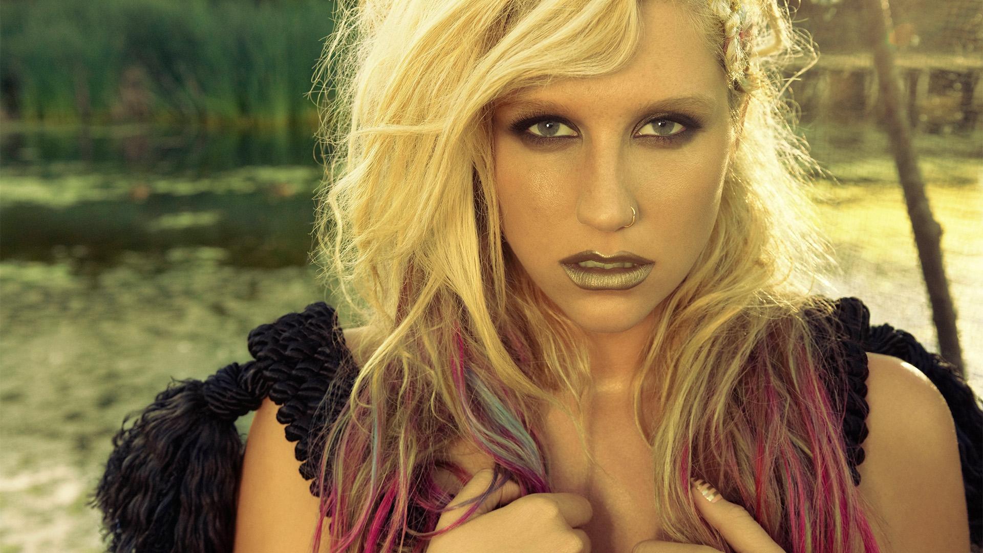 673183 Kb Download Original Kesha Wallpaper - Kesha Music Video , HD Wallpaper & Backgrounds