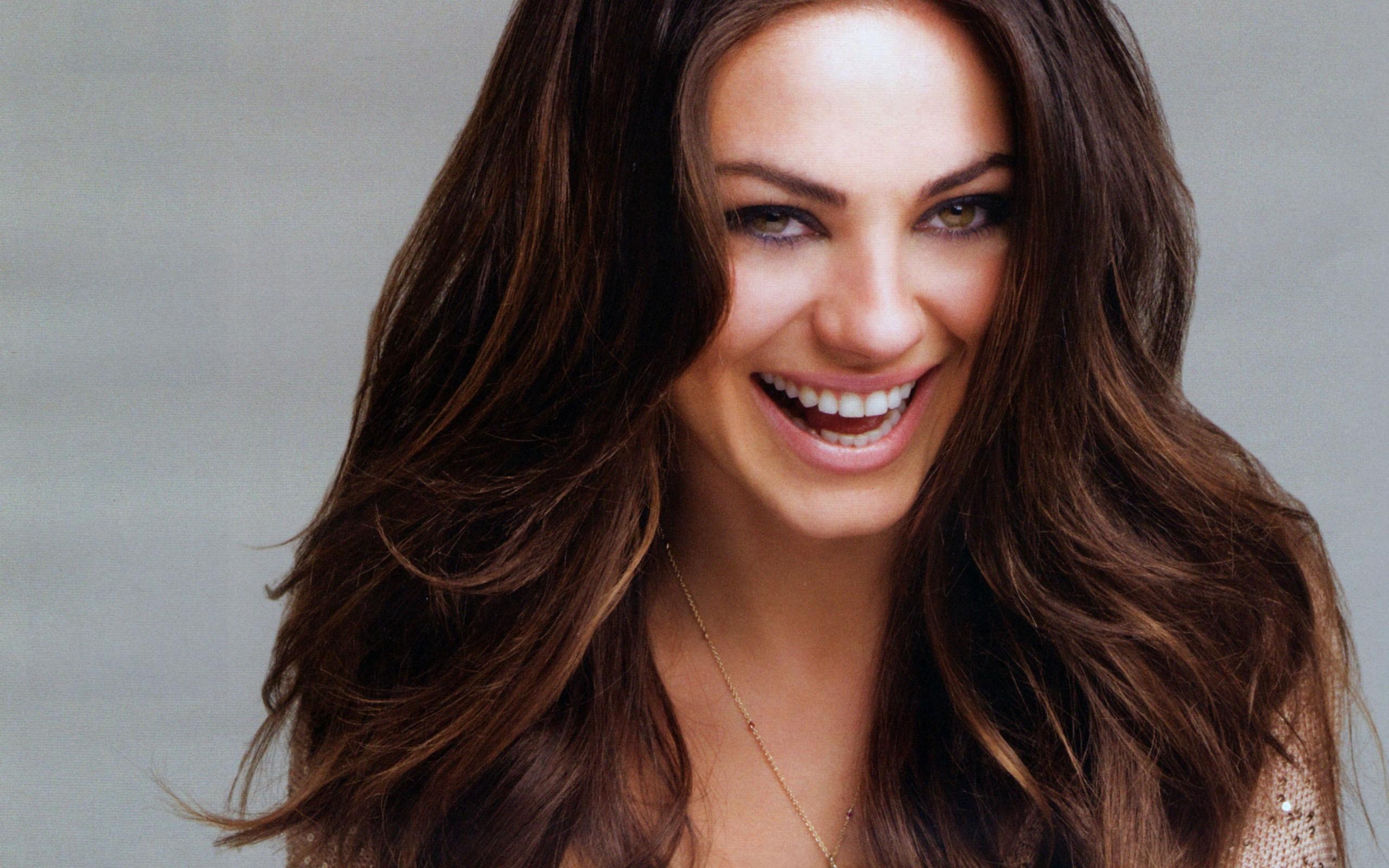 Mila Kunis Celebrity Hd Wallpaper - Mila Kunis , HD Wallpaper & Backgrounds
