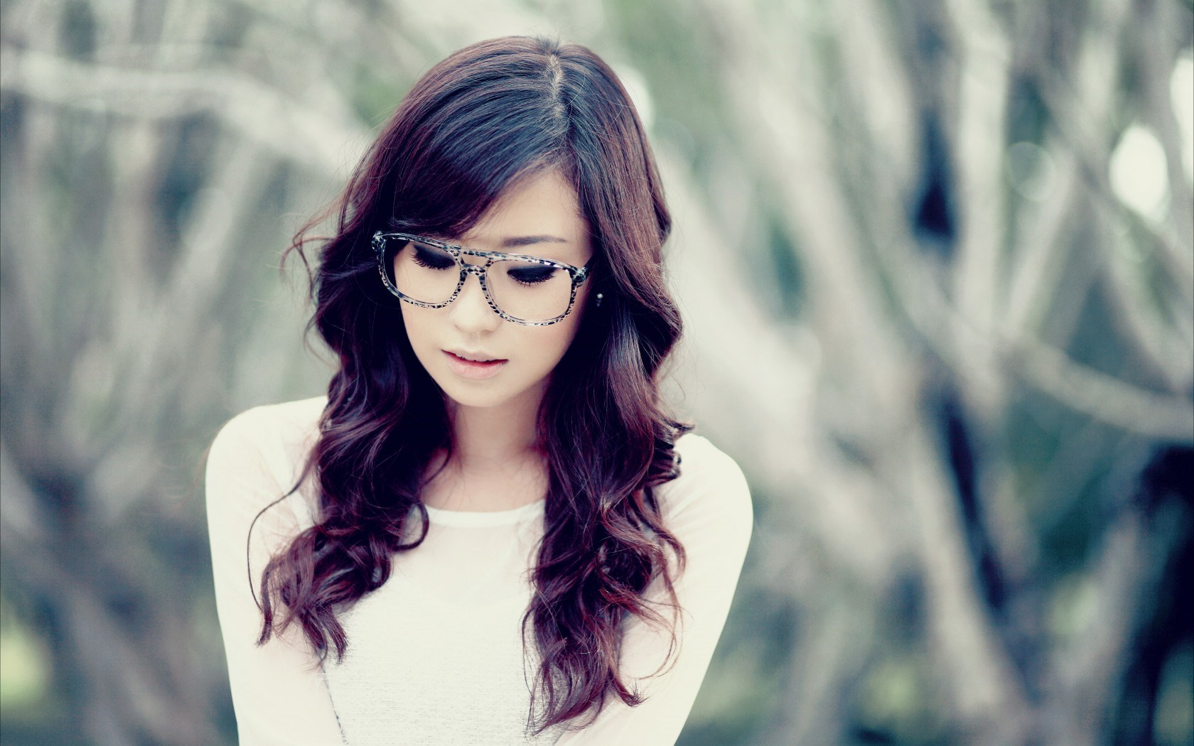 Asian Girls Cute High Definition Backgrounds - Asian Models With Glasses , HD Wallpaper & Backgrounds