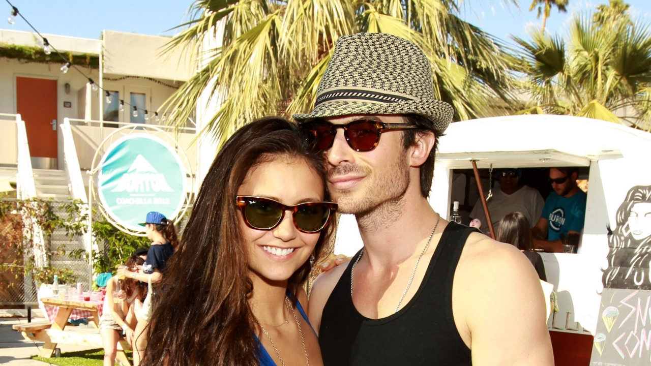 Other Dimensions Of This Wallpaper - Nina Dobrev And Her Boyfriends , HD Wallpaper & Backgrounds