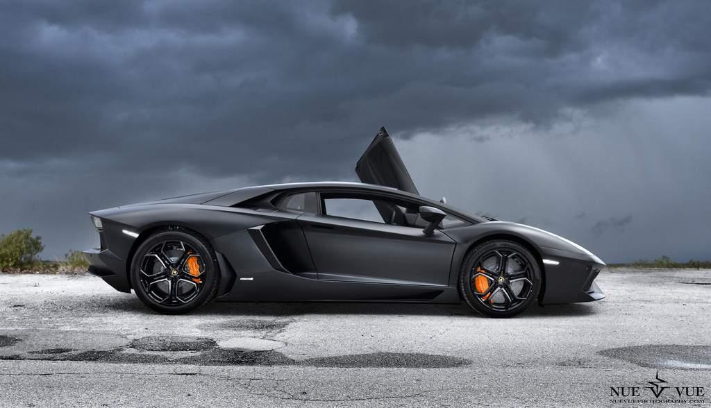 Dream Car Donkey Bets Lamborghini Aventador Wallpaper