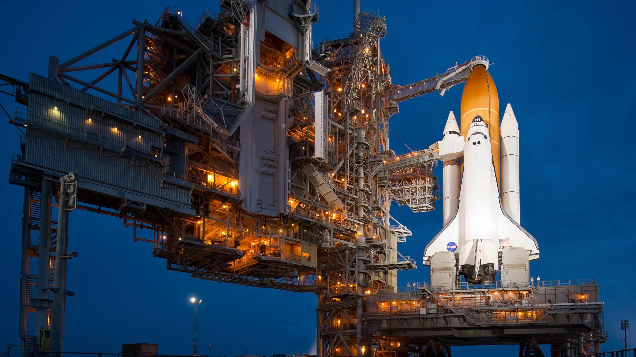 Space Shuttle Wallpaper - Space Shuttle Program , HD Wallpaper & Backgrounds