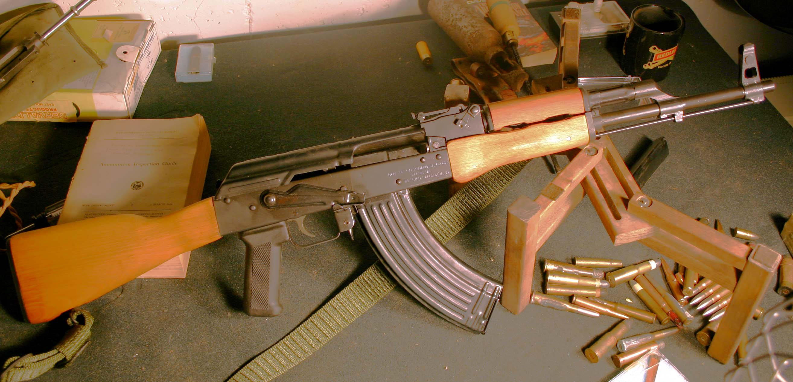 7728053 - >> - Ak 47 Gun Download , HD Wallpaper & Backgrounds