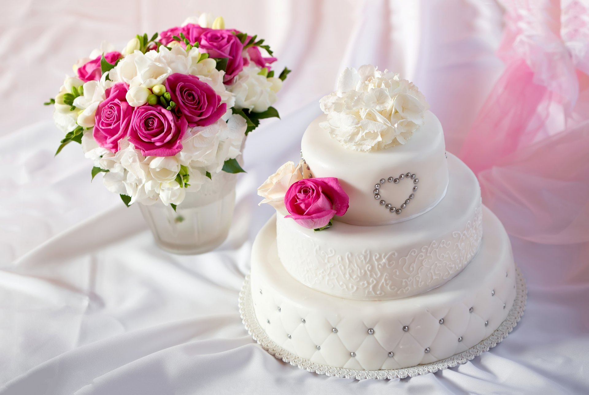 Pleasing 4K Wedding Cakes Wallpapers Happy Birthday Cake Flowers Funny Birthday Cards Online Aeocydamsfinfo