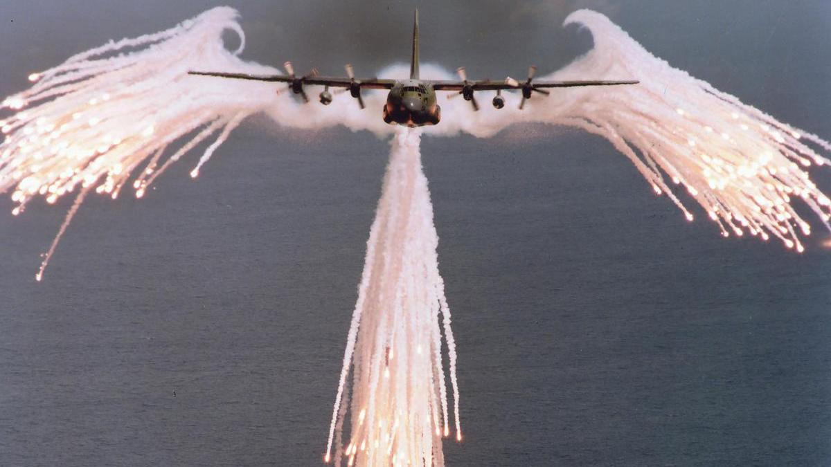 C 130 Hercules Releases Flares Wallpaper Us Angel Of Death