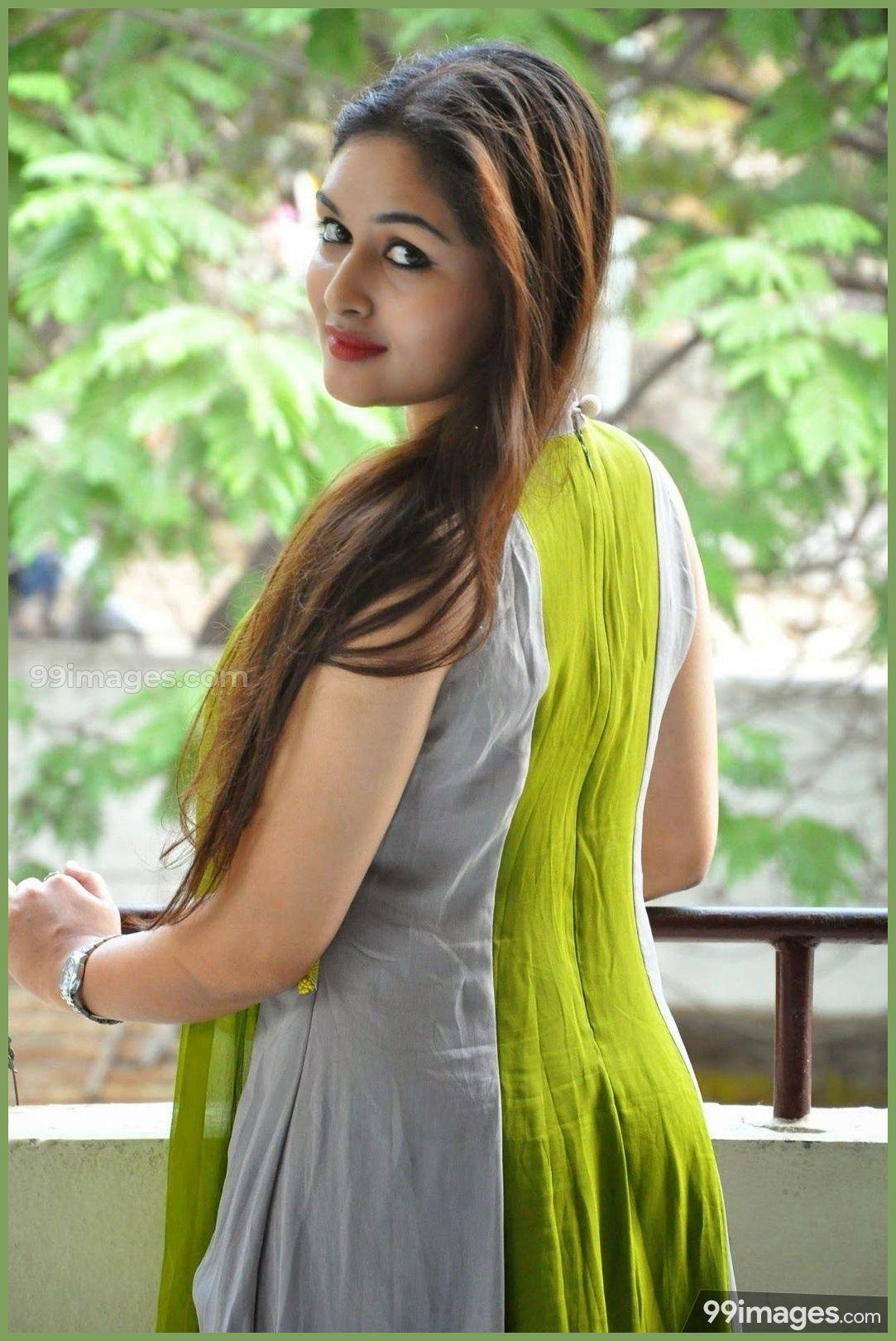 Prayaga Martin Beautiful Hd Photoshoot Stills - Beautiful Indian Girl Hd Wallpapers 1080p , HD Wallpaper & Backgrounds