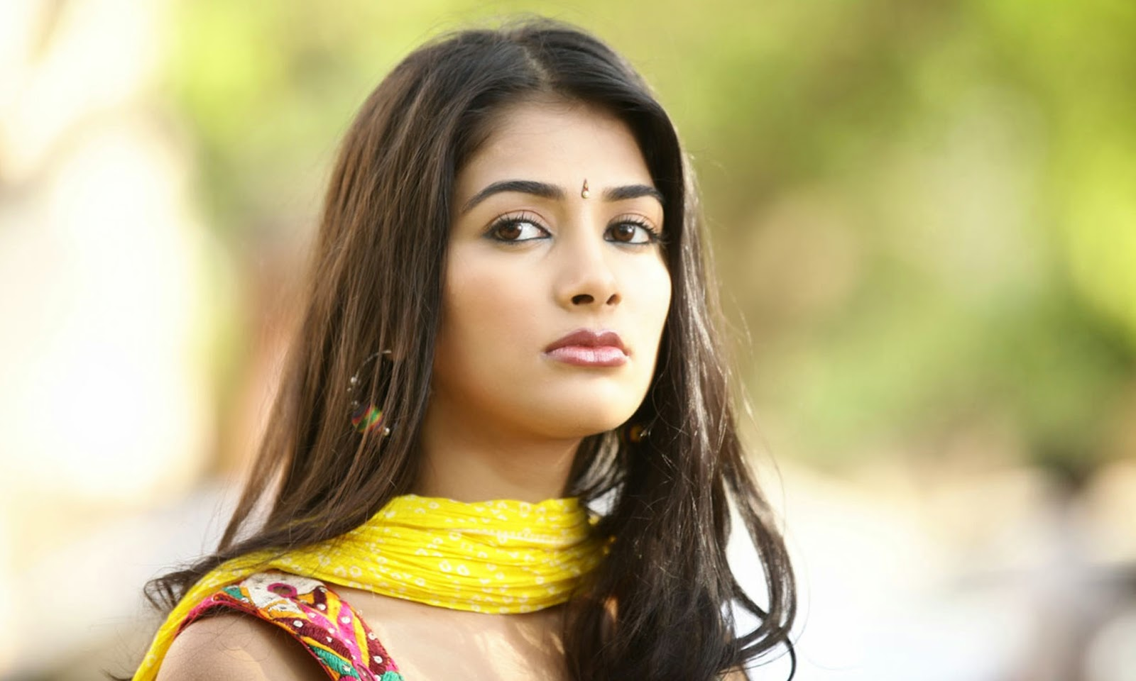 Has Been Crowned As The Miss Universe Indian 2010 Second - Pooja Hegde , HD Wallpaper & Backgrounds