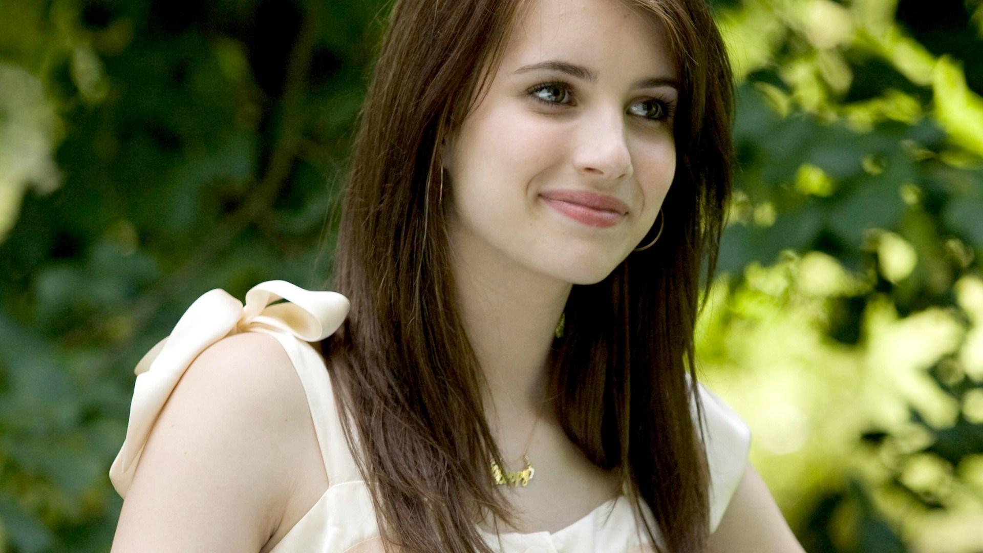Indian Girl Celebrity Desktop Wallpaper 20998 Source - Tumhe Koi Aur Dekhe To Jalta Hai , HD Wallpaper & Backgrounds