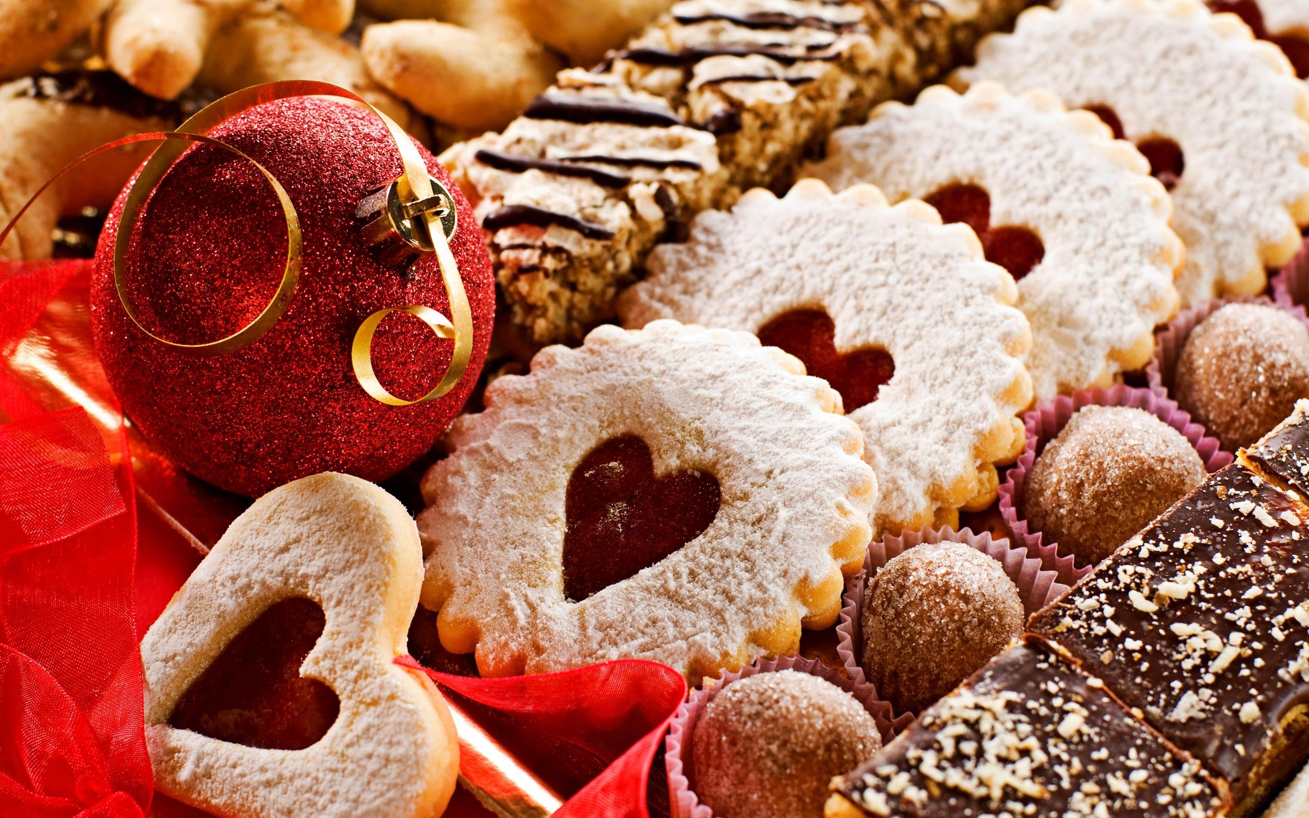 More Food & Drinks Desktop Wallpapers - Christmas Cookies Wallpaper Wide , HD Wallpaper & Backgrounds