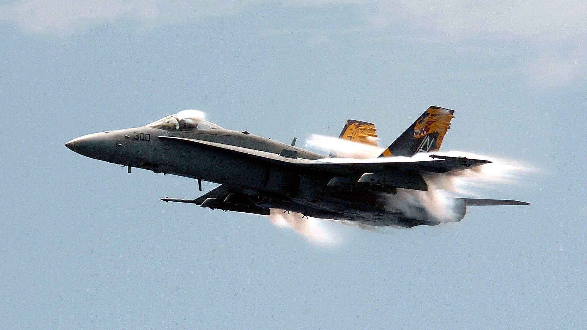 F 18 Hornet Wallpaper Mcdonnell Douglas Fa 18 Hornet