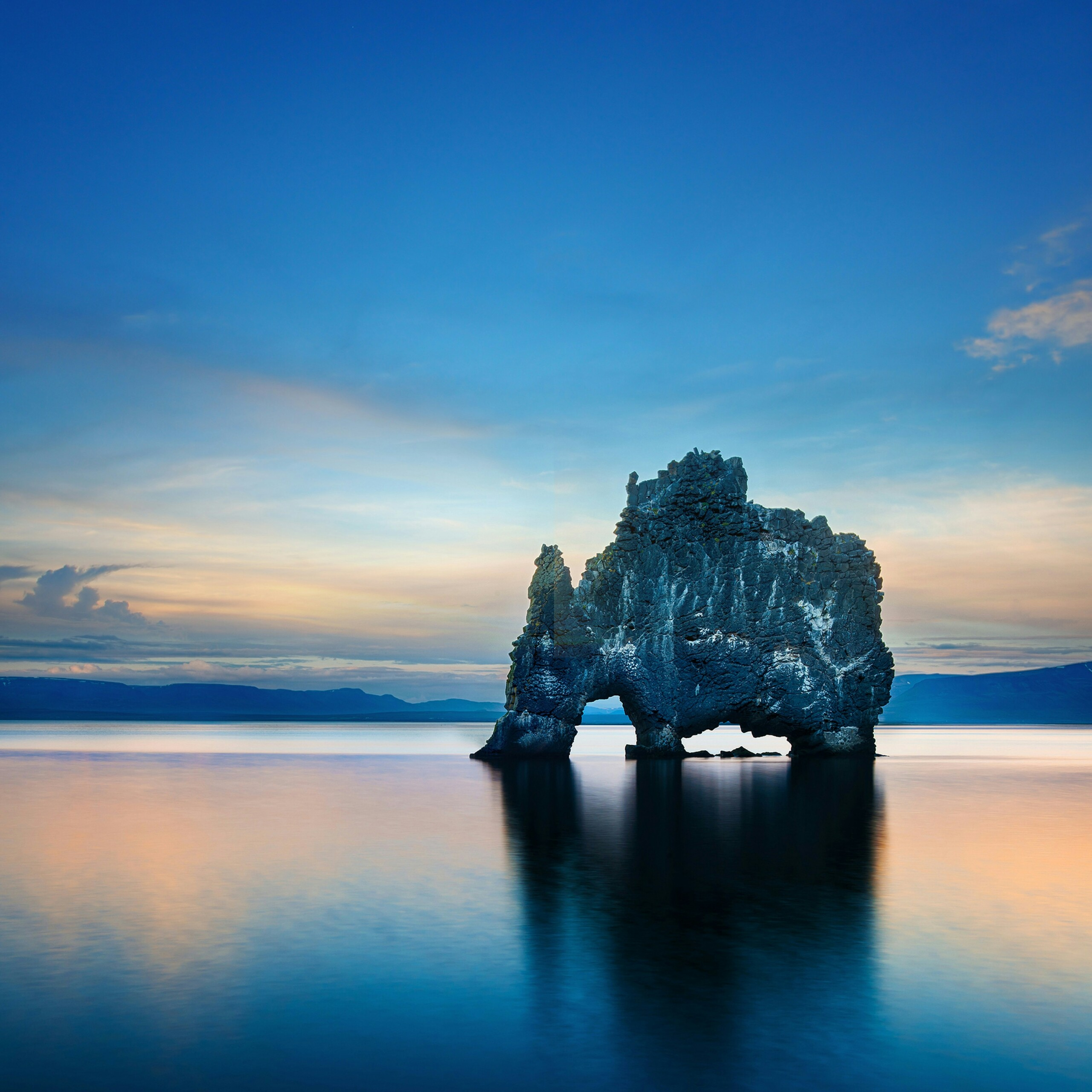 A Rock In The Shape Of An Animal Nature Qhd Wallpaper Hvitserkur