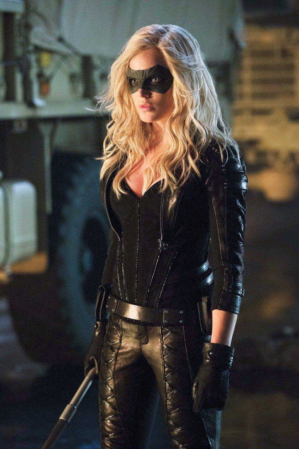 Black Canary Vs Bane Black Canary Caity Lotz 1660184 Hd