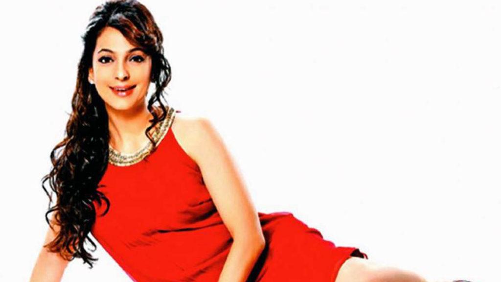 Juhi Chawla In Red Dress Hd Wallpaper - Juhi Chawla Short Dress , HD Wallpaper & Backgrounds