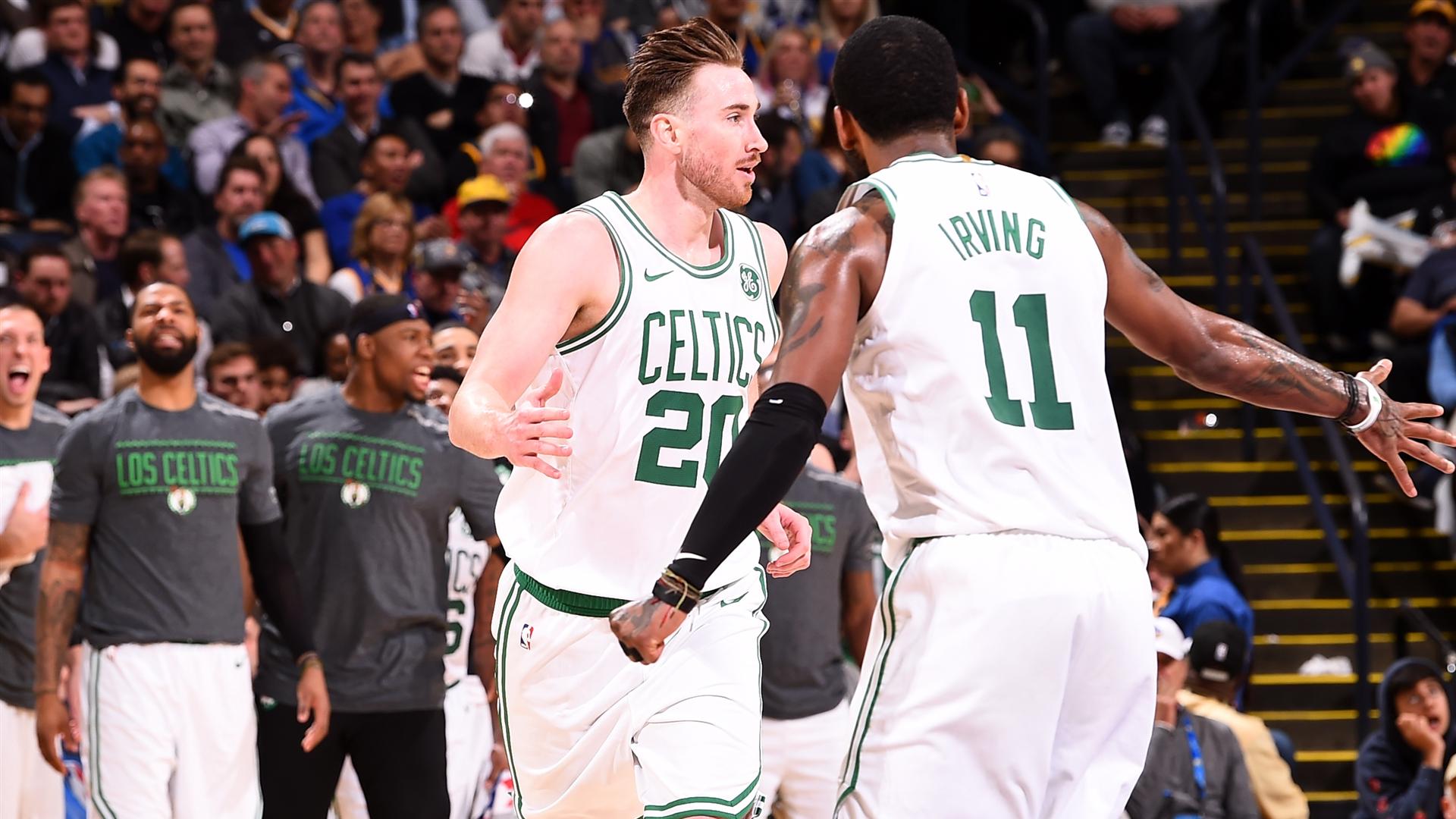 Gordon Hayward Stars As Boston Celtics Blowout The - Kyrie Irving And Gordon Hayward , HD Wallpaper & Backgrounds