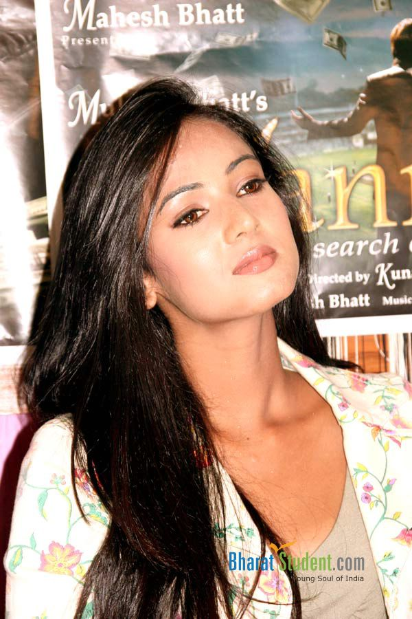 Jannat Press Conference - Sonal Chauhan Jannat Movie , HD Wallpaper & Backgrounds