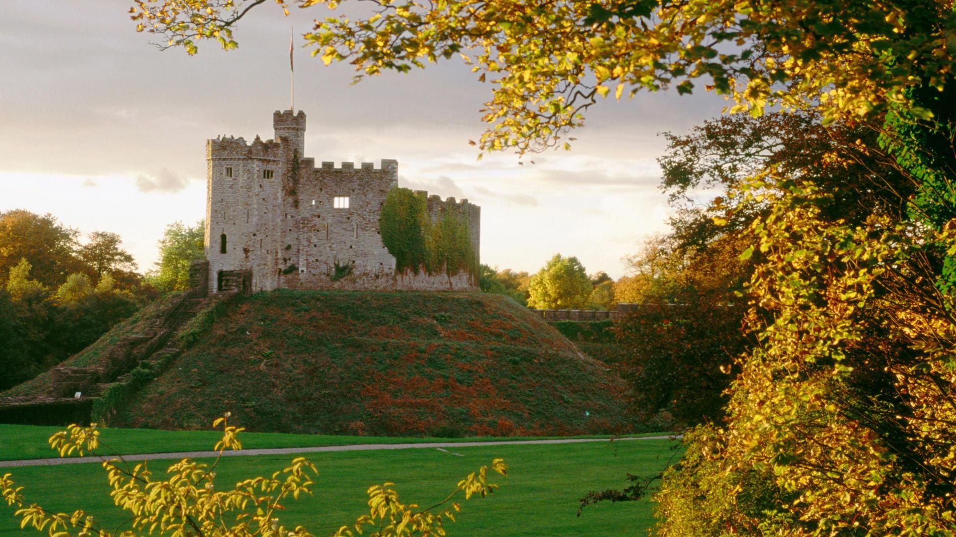 Download Original Cardiff Castle 1689084 Hd Wallpaper