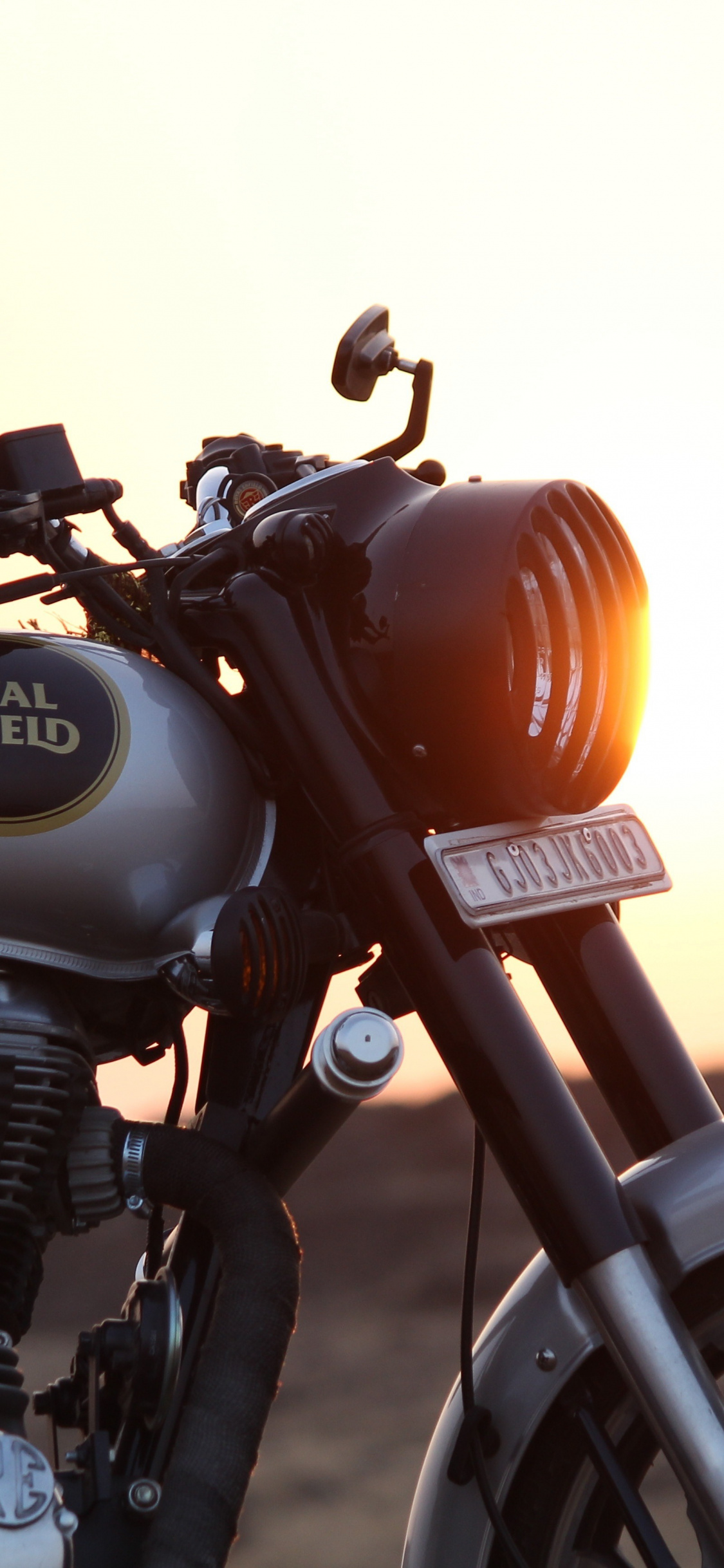 Royal Enfield, Motorcycle, Wallpaper - Iphone Royal Enfield Wallpaper Hd , HD Wallpaper & Backgrounds