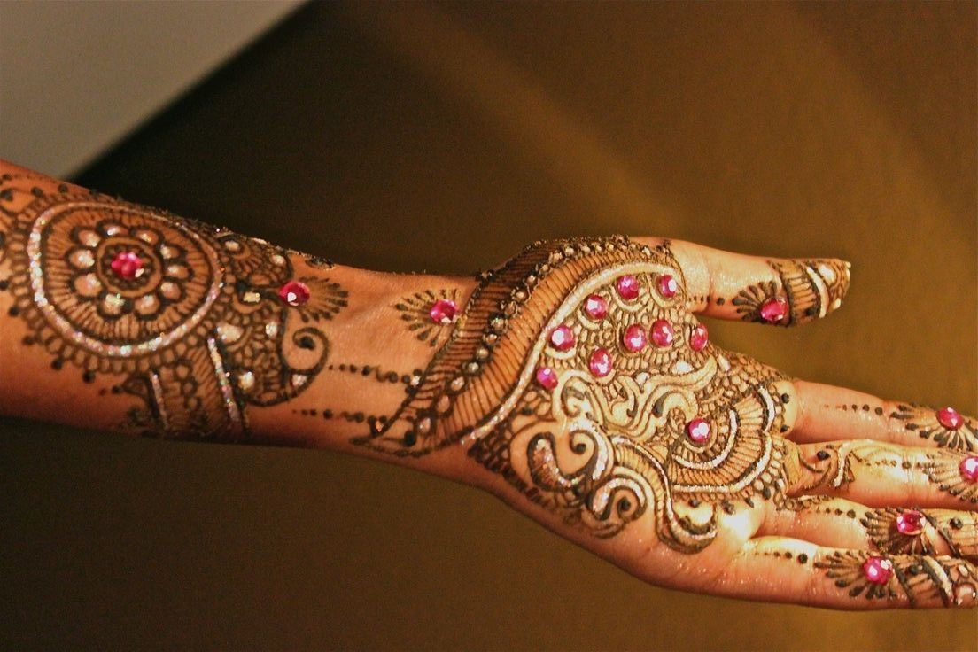 Bridal Mehndi Designs - Mehndi Design With Glitter , HD Wallpaper & Backgrounds